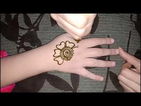 نقش حناء روعة للبنات الصغار بطريقة سهلة ومبتكرة Youtube Henna Hand Tattoo Flower Tattoo Lotus Flower Tattoo