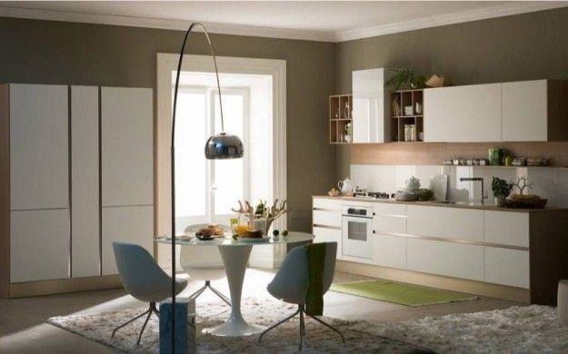 Colori neutri in cucina - Abbinare i colori delle pareti a una cucina nelle tonalità del bianco.