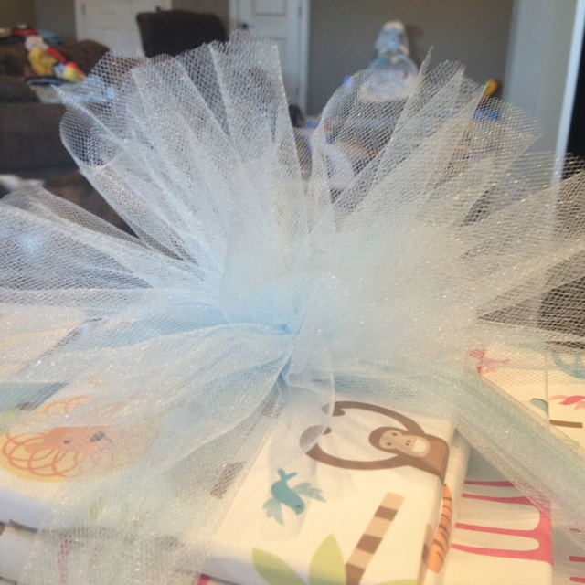 Tulle bow for gifts!!
