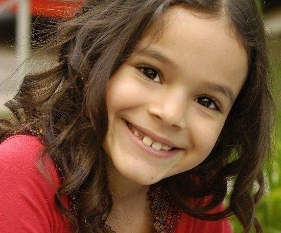 """Bruna Marquezine apareceu na Globo pela primeira vez em 1999, no programa """"Gente Inocente"""", na época, apresentado por Márcio Garcia"""