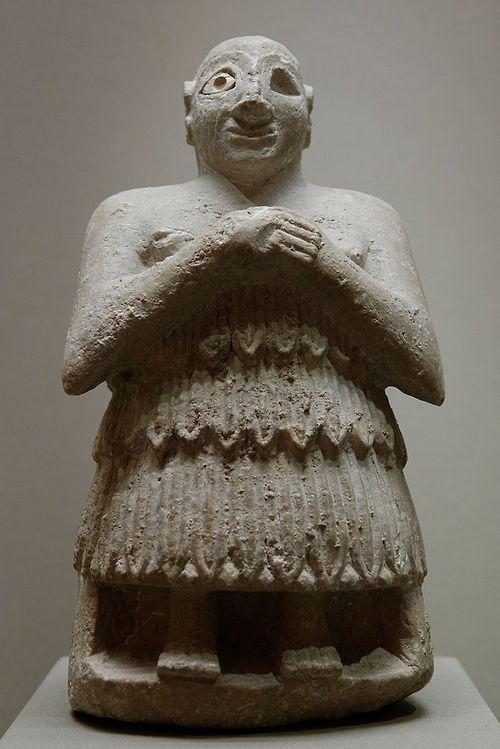 (6) Tumblr Estatuilla de orant sentado. Sumer, período dinástico temprano, alrededor de 2400 aC. Cortesía y actualmente se encuentra en el Louvre, Francia. Foto tomada por Marie-Lan Nguyen .