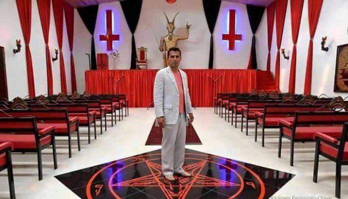 L'église ouvrira ses portes dans un somptueux appartement du XVIe arrondissement et promet d'offrir aux gens « un autre type d'expérience cléricale ».  La première « Church of Satan » (Eglise de Satan) ouvrira à Paris dès le mois d'octobre, provoquant une vague de protestation au sein de la sphère cléricale. Jusqu'à présent les satanistes de France n'avaient que quelques forums et groupes de discussion pour échanger leur foi et leurs convictions. Mais grâce à une pétition qui a longuement…