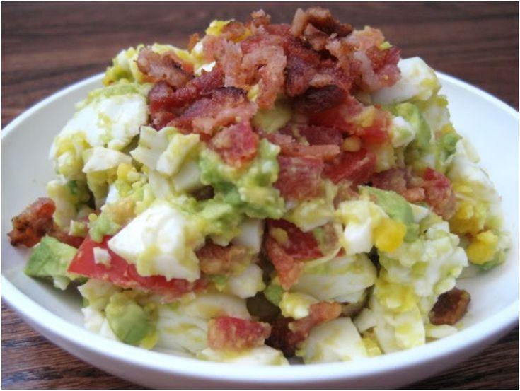 Salada de Ovos, Abacate e Bacon | Vida Mais Organizada