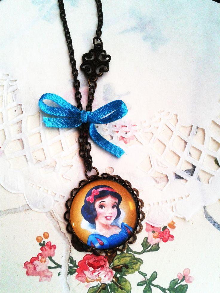 Hófehérke kislány ékszer, mesés nyaklánc kis hercegnők örömére (vintage, jewerly, necklase, Disney Princess, Minnie)