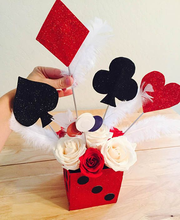 DIY Casino Royale Centerpiece to give any party a Casino look!
