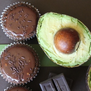 avocado-chocolate-cupcake