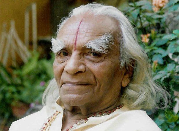 Μπελούρ Ιγενγκάρ (1918 – 2014)
