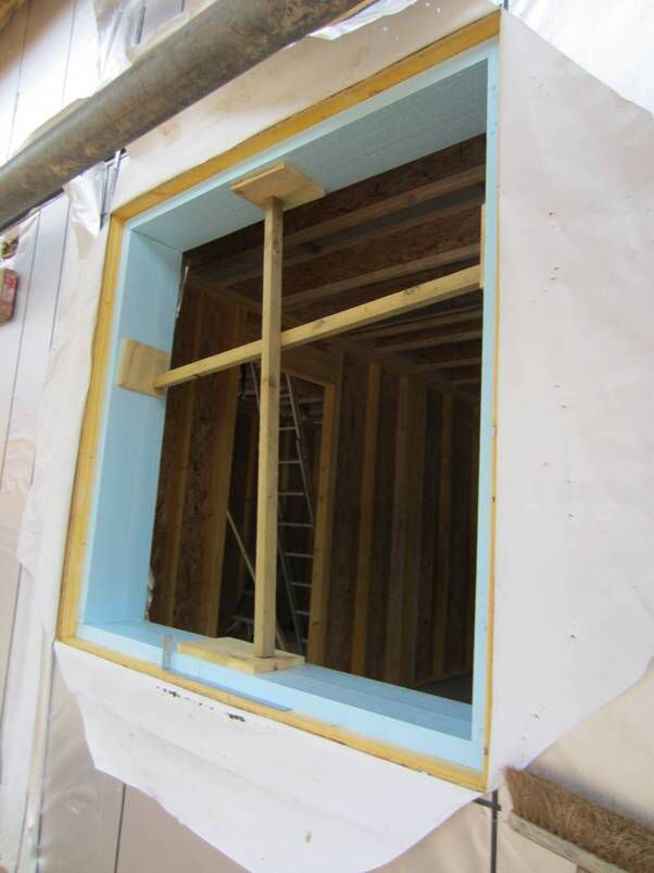 Passive house window opening XPS insulation