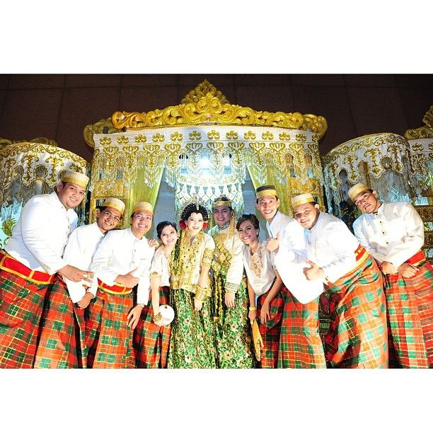 .@riskaanton   Chiclil #AKADNIKAH #adat #bajubodo #offwhite #love #wedding #riskarachmat #s...   Webstagram