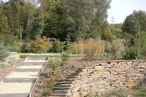 Les 25 meilleures id es concernant pierre s che sur pinterest murs de pierre travail en - Cabane de jardin sans dalle aixen provence ...