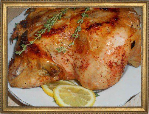 Запеченная курица с аджикой и лимоном.
