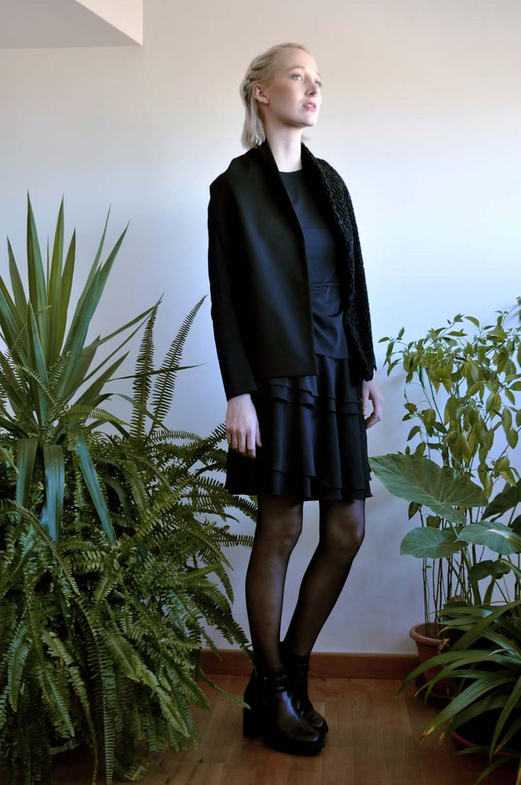 Aroma30 - Minimal chic Astrakan and jersey scarf / Black outfit