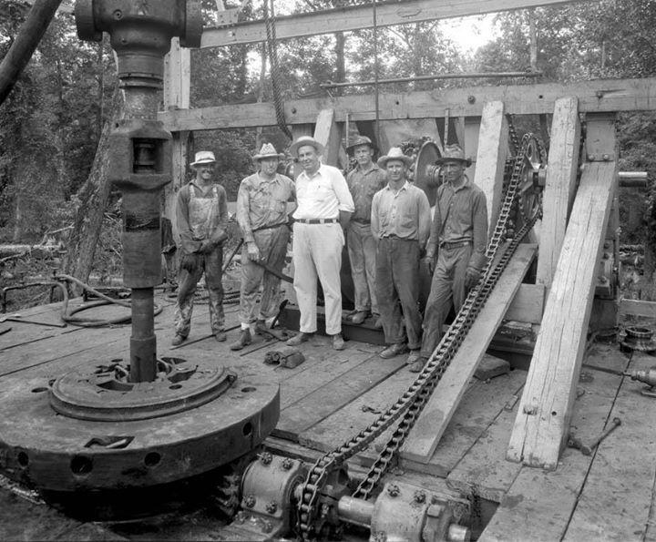 East texas roughnecks 1930 oilfield oilfield life oil