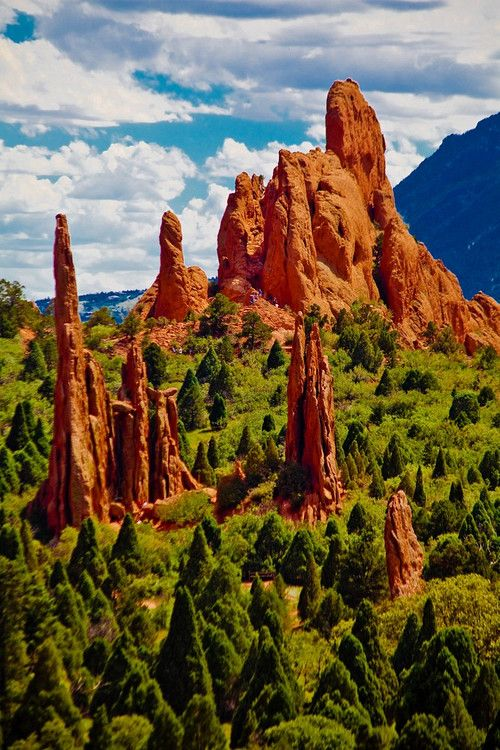 Tall Peaks, Garden of the Gods, Colorado Springs, Colorado..