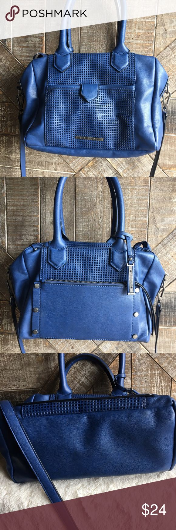 Blue Steve Madden Handbag Blue Steve Madden Handbag in good used condition. No trades, reasonable offers through offer button. Steve Madden Bags Shoulder Bags