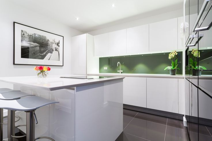 High gloss kitchen with white lacquer kitchen island and for White high gloss kitchen wall units