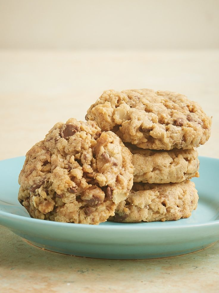 These sweet, chewy, nutty Peanut Butter Toffee Oatmeal Cookies are a big-time favorite in my house. The flavor and the texture are just perfect! - Bake or Break ~ http://www.bakeorbreak.com