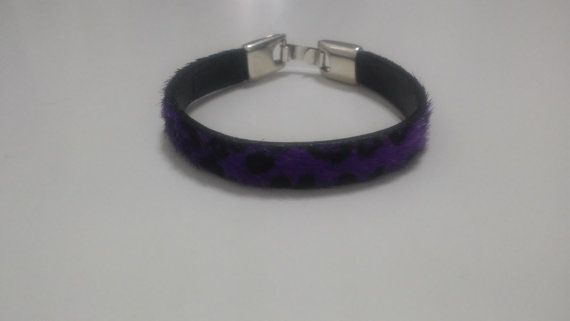 Purple leopard bracelet by Zampithings on Etsy / Pulsera violeta leopardo