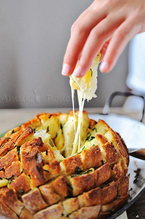 Pain à partager au fromage, avec des explications bien détaillées -bon ok, la recette est archisimple, c'est vrai