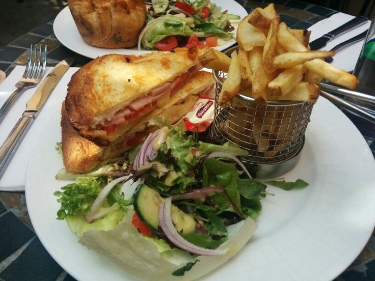 The Old Mill - Pendle Hill smoked ham, tomatoe, cheddar cheese toasted sandwich A: 2.5