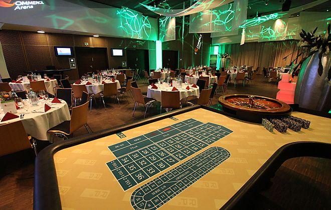 Im RP5 Stage werden Events in Hannover zu einem wahren Erlebnis: Einmalige Motto-Events wie ein Casino Royal-Abend gehören hier zum Entertainment-Programm. Ein technisches Highlight ist das riesige Info-Screen-System an den Wänden, das sich ideal für Vorführungen und Shows eignet.