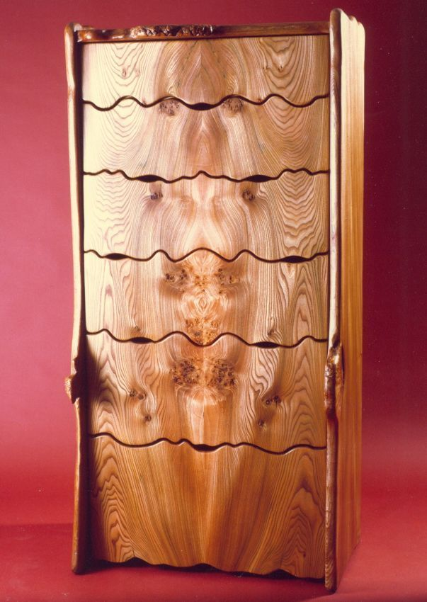 Scottish furniture makers : high resolution pic of Chest of Drawers