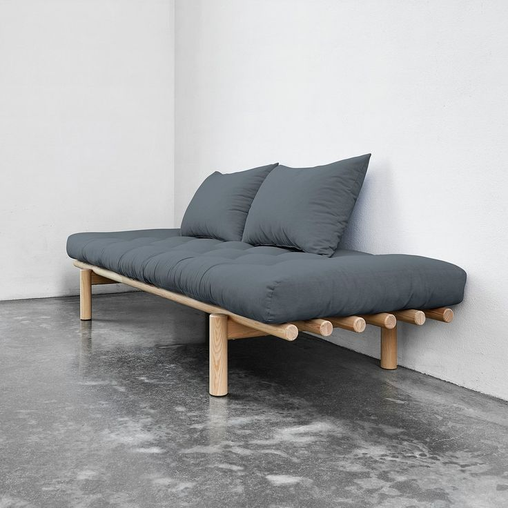 Tykkäätkö minimalistista tyyliä? Oletko etsimässä jotakin aivan uutta ja ainutlaatuista? 😍Sohvasänky Pace on luotu sinua varten! Käytä sitä tyylikkäänä sohvana päivällä ja mukavana sänkynä yöllä 🛋✨Niin helposti! Ja kuinka ihanaa! . . 📷Kuvassa on Sohvasänky Pace, hinta alkaen 576,41 euroa💶 . .