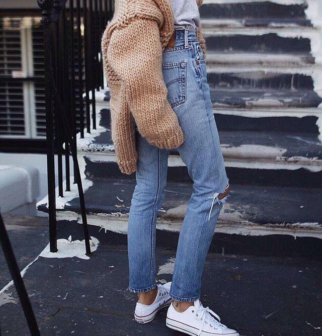 @pepamack - perfektion, än en gång. Sommarbrun hy. Nude/creme färgat. Och ett par ljusa jeans/jeansshorts till. Min absoluta favorit sommarkombo.&nbs