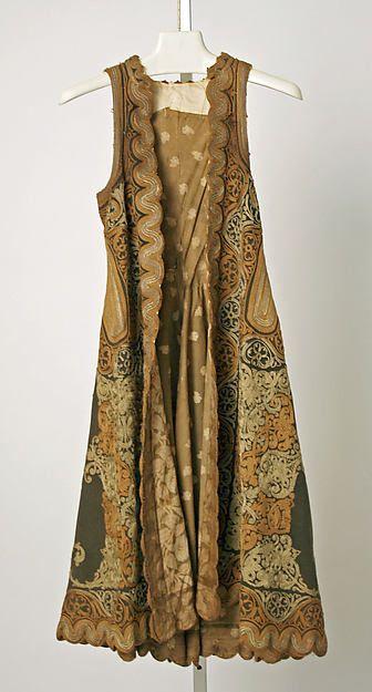19th century | Greek | wool, silk, metallic | Dimensions: Length at CB: 42 in. (106.7 cm)