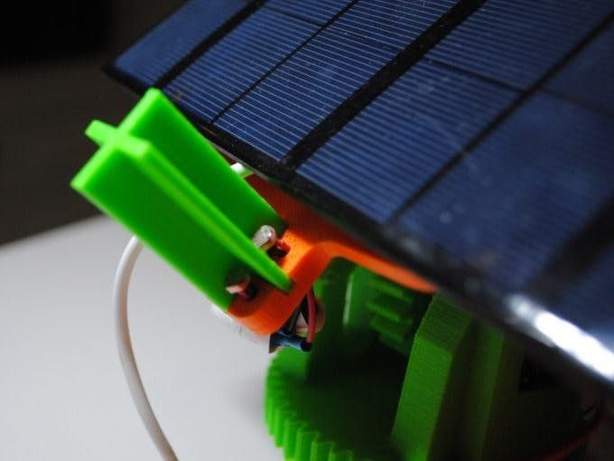 Dual Axis Solar Tracker Panel With Auto And Manual Mode Solar Tracker Solar Energy Panels Solar Charger