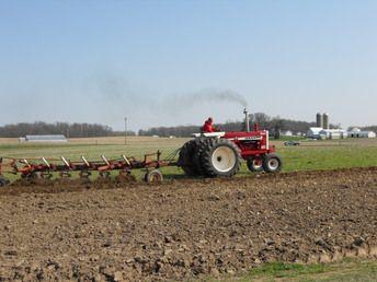 International1206 Turbo w/6- bottom plow | Tractor's ...