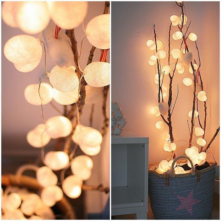 Cotton Ball Lights fehér szívecskék./ Cotton Ball Lights white hearts.  http://www.galazki.blogspot.co.uk/2014/02/love-is-in-air.html