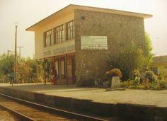 Estación ferroviaria Corvi en 1980, formó parte de la línea Santiago-Valparaíso de la Empresa de los Ferrocarriles del Estado. Se ubicaba en el sector de las casas Corvi en el sureste de la ciudad de Quillota. Luego del accidente ferroviario de Queronque, ocurrido en 1986, paulatinamente se fue suspendiendo el tráfico de ferrocarriles desde Puerto hacia las ciudades de Quillota y La Calera, hasta ser definitivamente clausurado en 1995, con el abandono de las estaciones de trenes de Quillota.