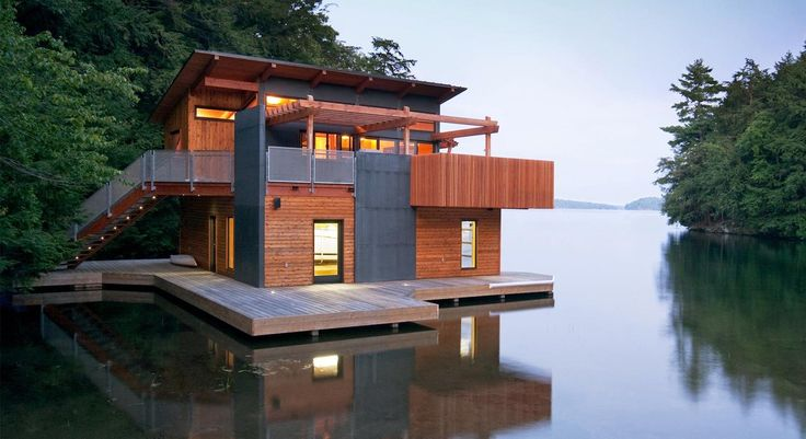 Could this be the ultimate lake getaway?