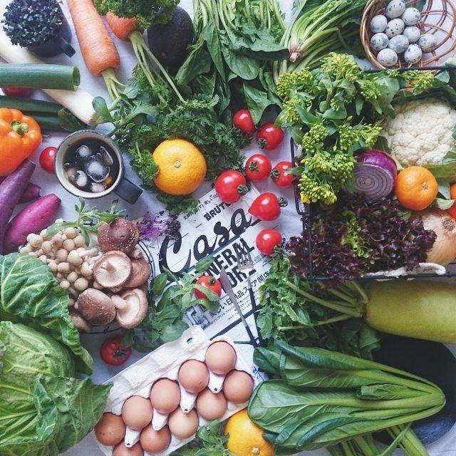 * * Vegetables! . . . ジャーサラダランチを作るのが面白くなってきたので 今日ははりきって 産直へ。 かわいいフルーツトマトと無農薬の元気なにんじんが嬉しい。 夕食はなに使おうかな。 明日のジャーサラダはなに使おうかな。 楽しい。 * * *