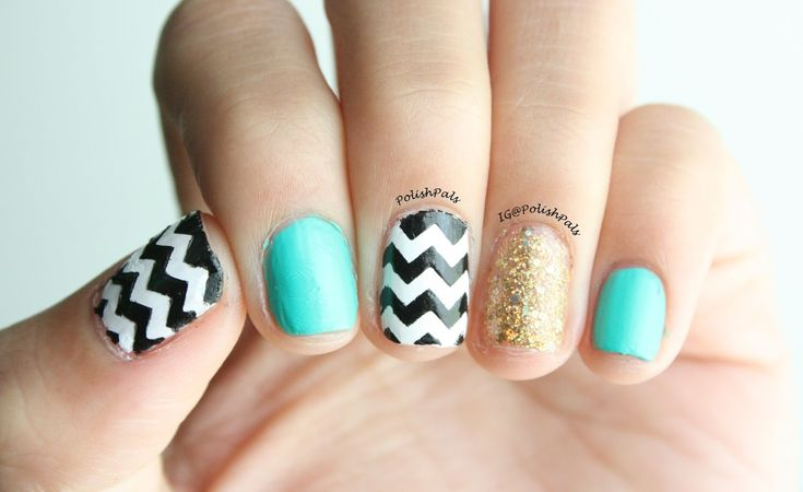 Gold Glitter Chevron Design Nail Art Gold Chevron Nail Art  however area unit you all doing?Finding an ideal cosmetics is such a blessing isnt it and particularly if youve got been eager to do a nail art for an extended time?In the last tutorial i mentioned easy tips to form a cute summer nail style.The gold nail polishes area unit hardly used for day time