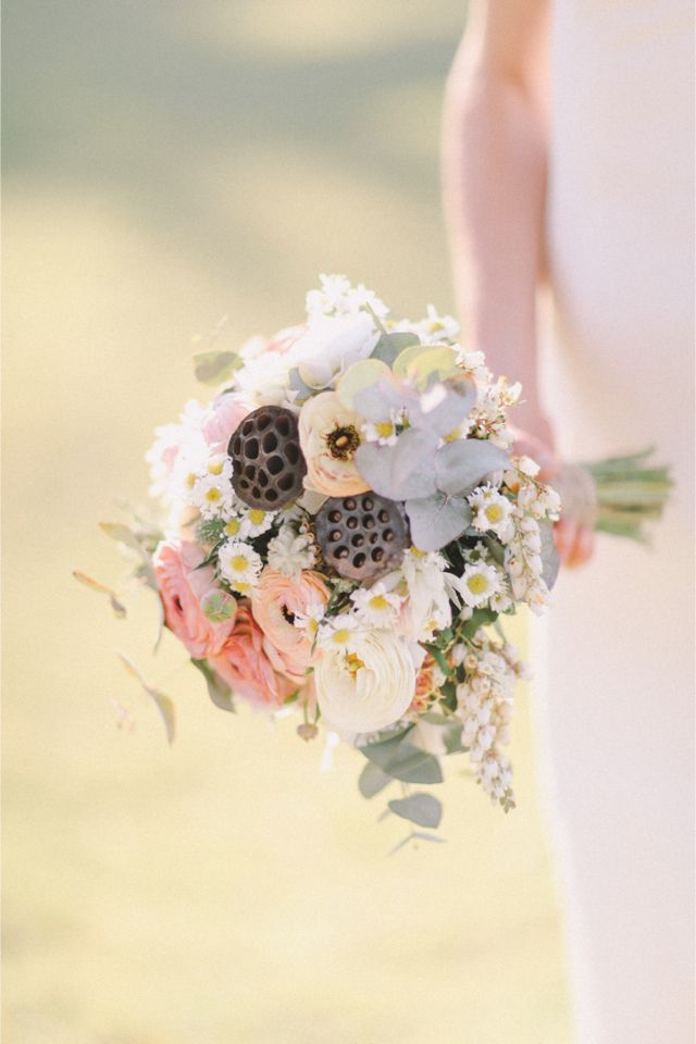 Enchanting bridal bouquet | Jenny Sun Photography | http://burnettsboards.com/2014/01/enchanted-garden-editorial/