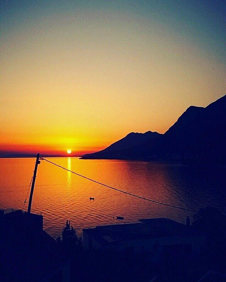 #view #beautifulview #Sea #morze #sky #niebo #beautiful #pięknie #mountain #cień #góry #zachódsłońca #sunset #Sun #redsun #inspiration #water #Great #follow #f4f