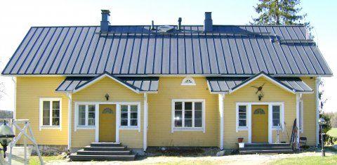 Keltainen talo saaressa