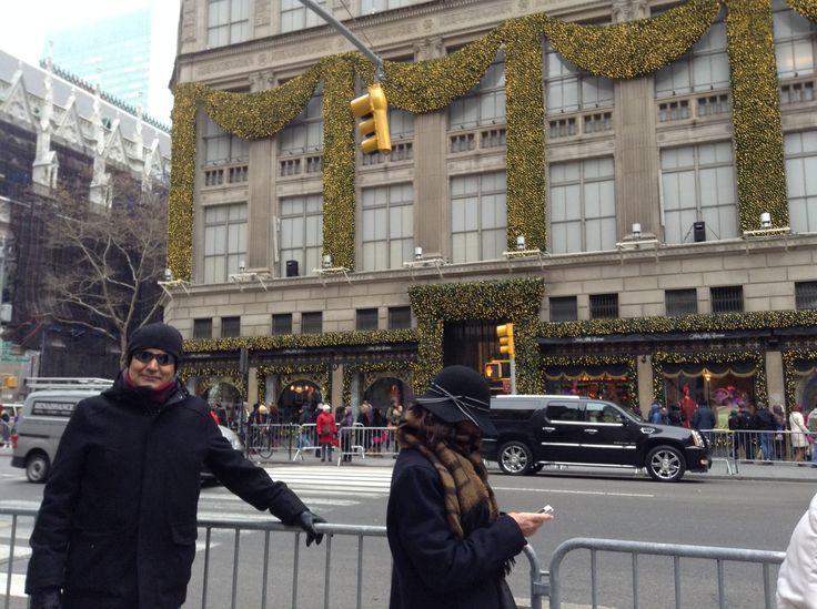 Saks store at 49th street and fifth ave in Manhattan, Christmas 2104 decor / La tienda Saks ubicada en la calle 49 y la quinta avenida en NYC, decoracion de navidad 2014