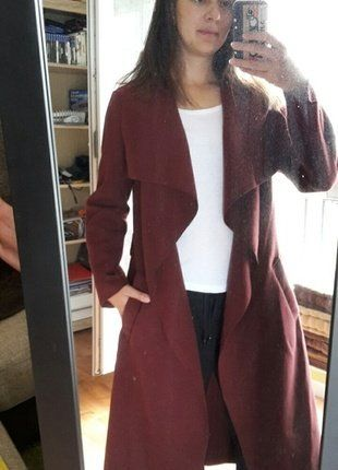 À vendre sur #vintedfrance ! http://www.vinted.fr/mode-femmes/vestes-polaires/38347869-manteau-long-mi-saison-couleur-bordeaux