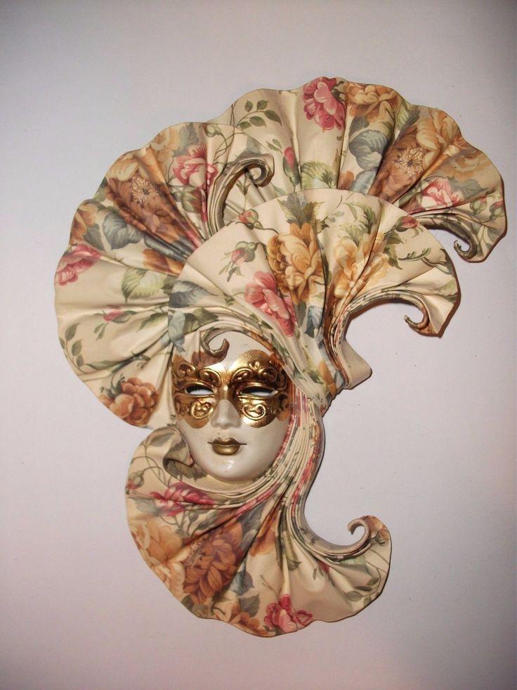 Wunderschöne Venezianische Maske Keramik mit Fächer- sehr guter Zustand! FOR SALE • EUR 12,00 • See Photos! Money Back Guarantee. Wunderschöne venezianische Wandmaske Keramik mit Notenfächer28,0 (H) x 21,5 (B) cm großmit WandaufhängungBeim Kauf mehrerer Artikel wird Versandrabatt gewährt! Schauen Sie sich bitte meine anderen Auktionen an.Nach Überweisung incl. ggf. 262788013846
