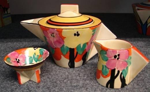 Clarice Cliff tea set
