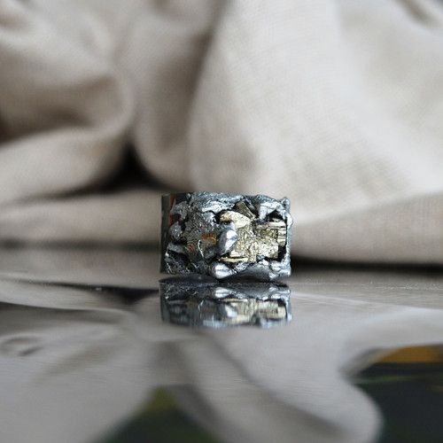 Jewellery Ring pyrite and a mixture of metals