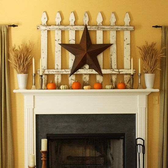 Love the barn star over the picket fence.  This would work all year long.  Just change out what goes in front.