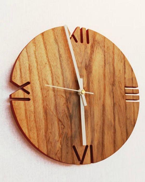 Деревянные часы.