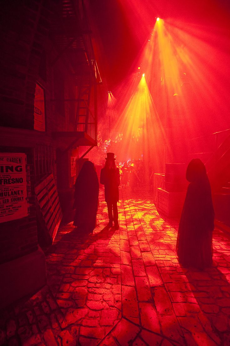 Get all the scary details about Halloween Horror Nights and order your tickets now!
