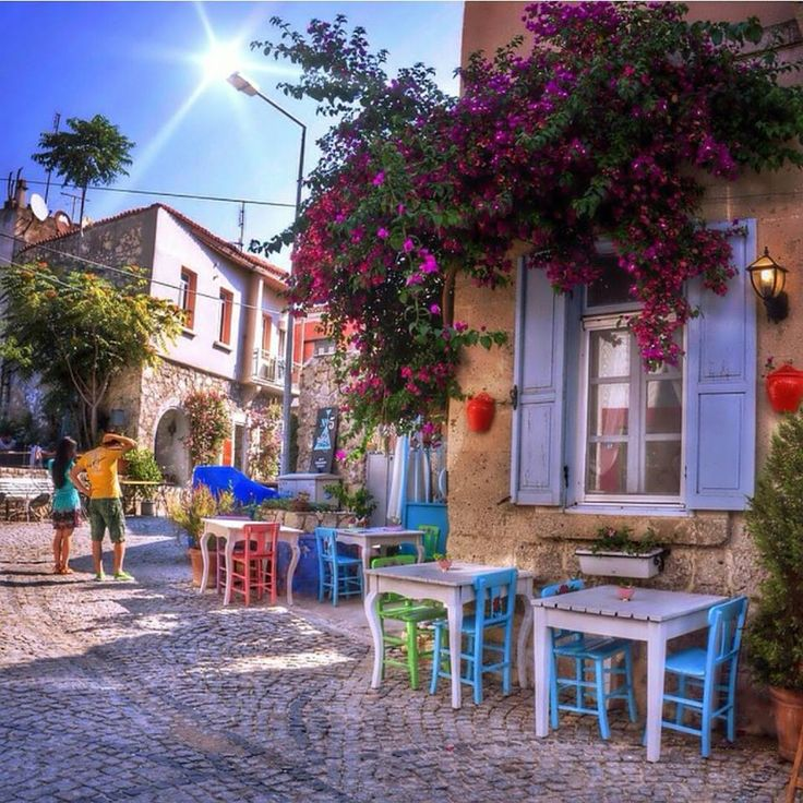 Kasım ayında Alaçatı sokakları  Cafeler... Alaçatı Çeşme İzmir