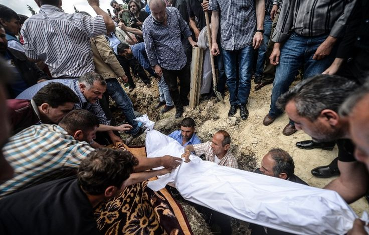 Funérailles à Soma d'ue victime de la catastrophe minière en Turquie