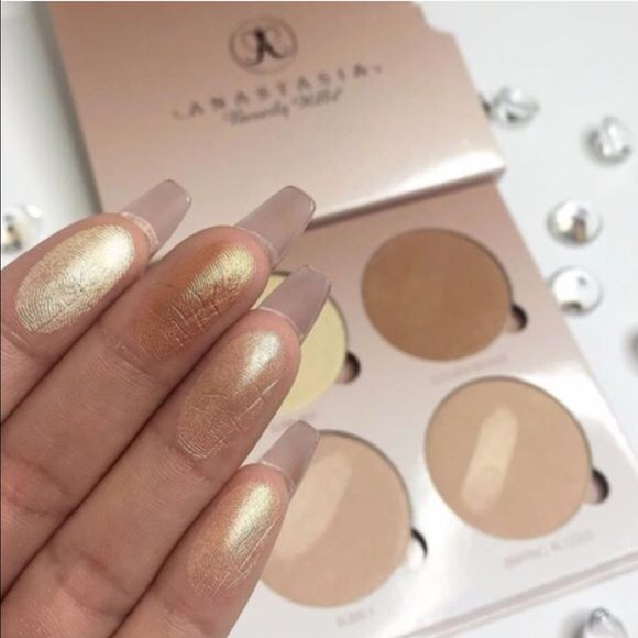 Anastasia BH glow kit That glow , New and sealed, for more items please check out my closet.                                       Do bundle save money get 15% off on 3 items and welcome gift for the first buyers.                    .                                                        I preference to pay real amount invested of $9 for trade , so please don't ask for trade Anastasia Beverly Hills Makeup Bronzer